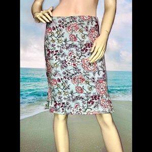 LOFT • Pastel Floral Pencil Skirt / size (2) EUC